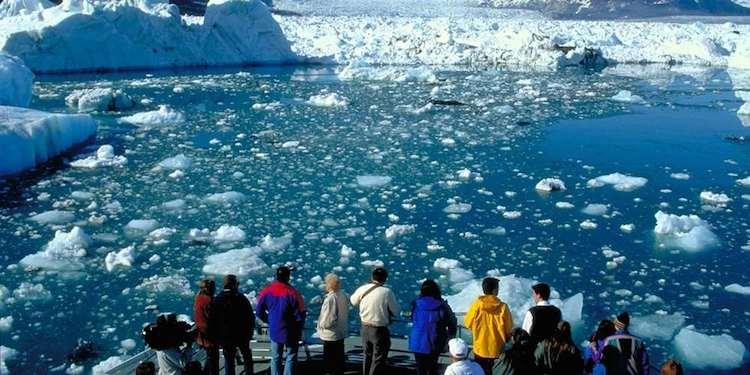 Escursione in barca al ghiacciaio