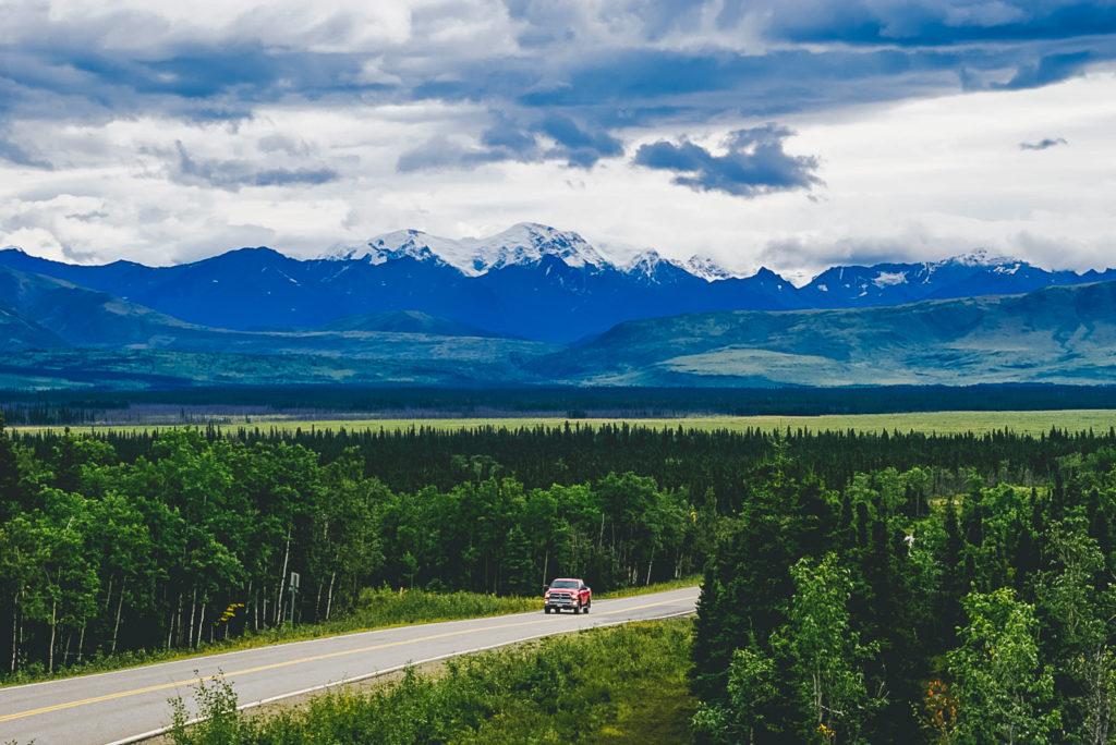 Guidare sulle strade dell'Alaska