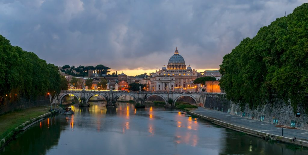 Panorama di Roma e San Pietro
